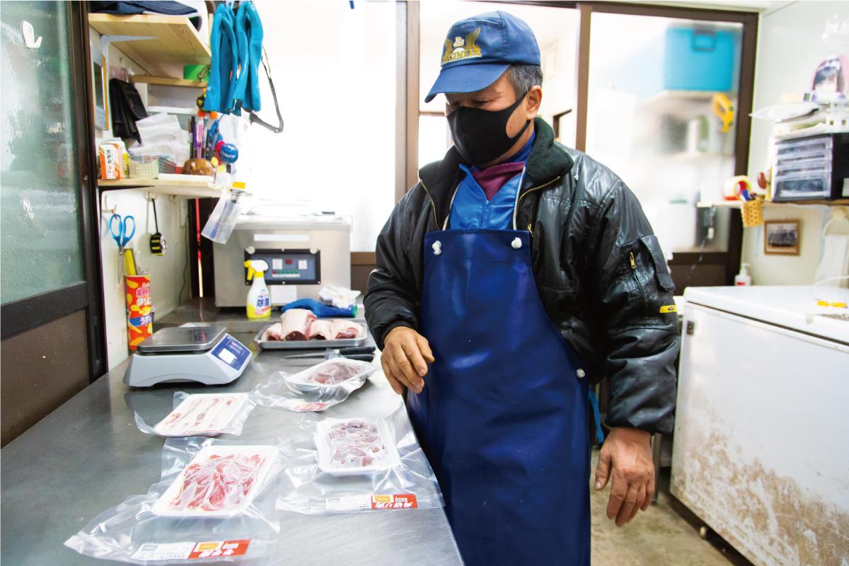 イノシシ肉を加工する照本食肉加工所